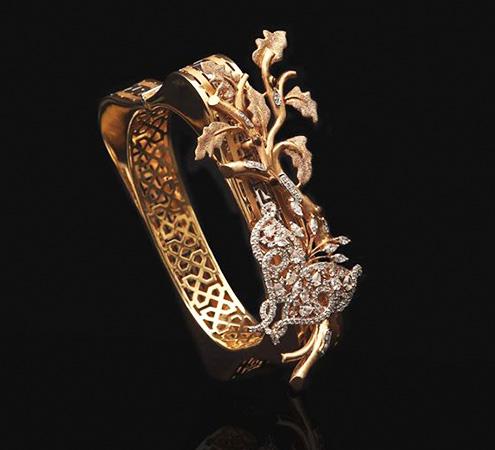 Gold Design Bracelet